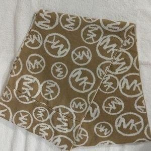 Infinity scarf/wrap